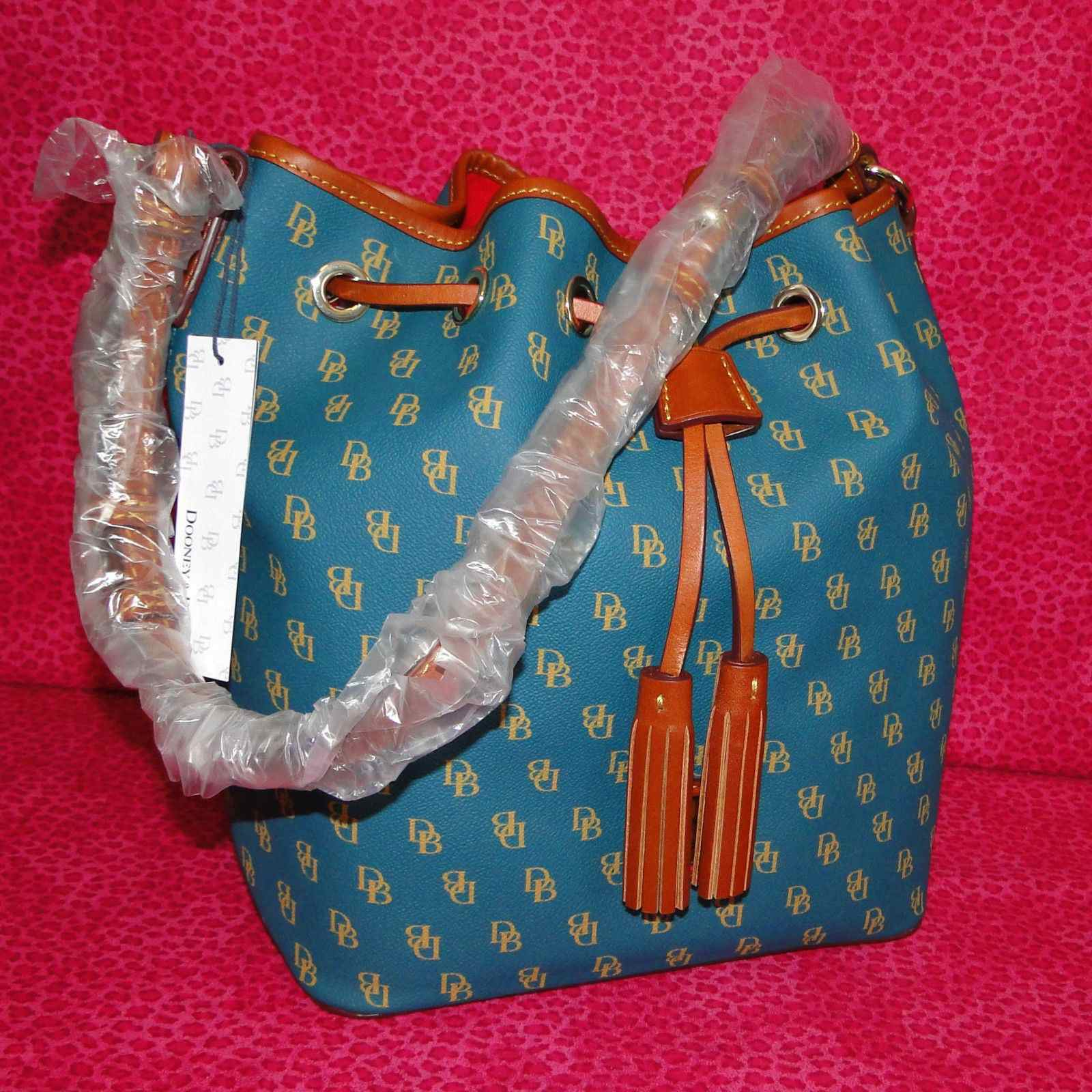 Dooney & Bourke Gretta Kendall Drawstring Shoulder Bag NG248TE
